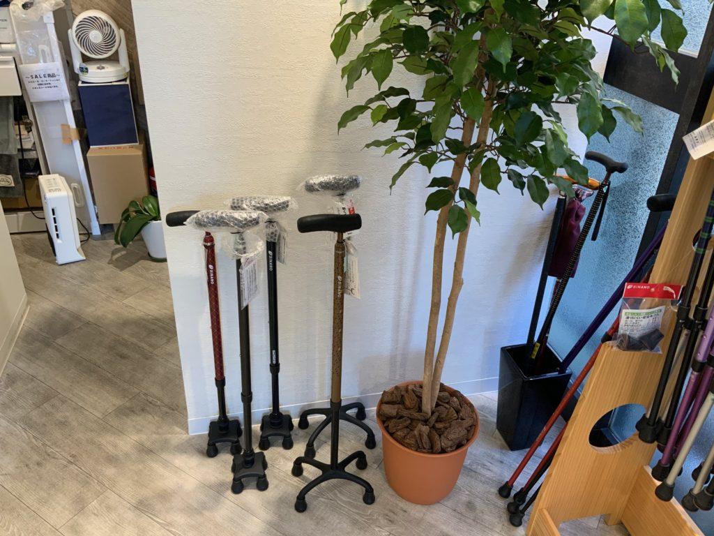 ステッキ杖工房シナノ(sinano)吉祥寺店の4点杖の写真