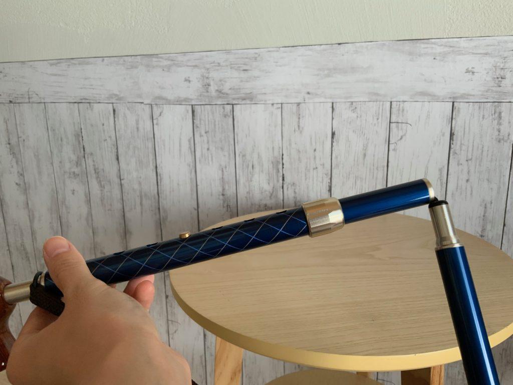 カイノス【COOL】ネイビー(折りたたみ杖)の接続部の写真